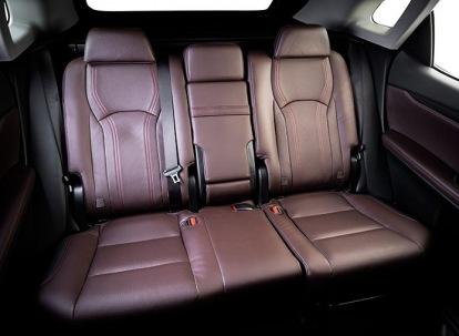 leather-slide-image02-1